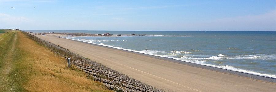 Het eerste stuk nieuwe strand bij Camperduin / foto Hugo van Bercum